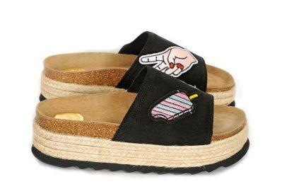 Maison Shoeshibar Airi, sorte sandaler med tøffe merker – Mio Trend