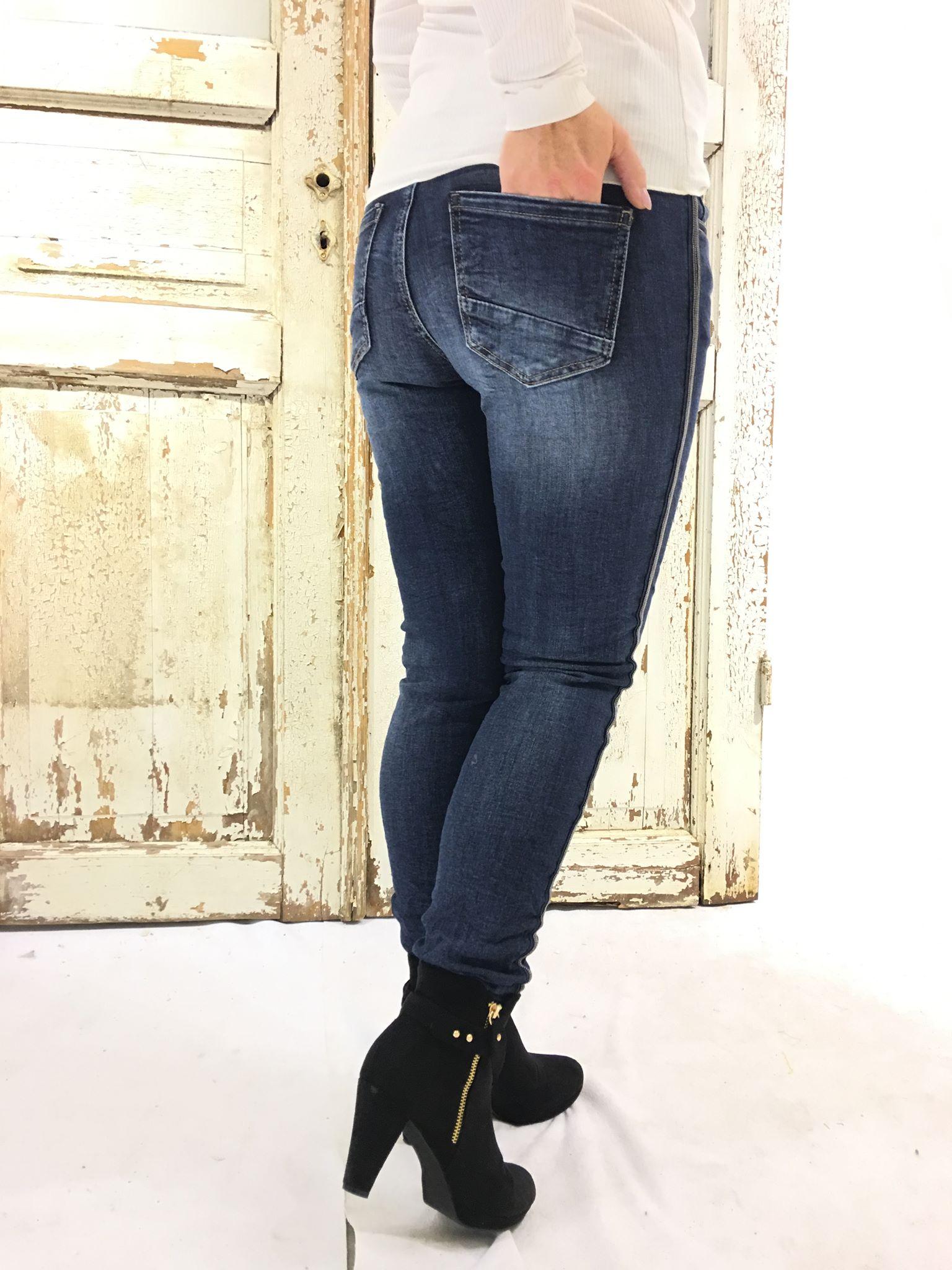 46e802af Piro jeans blå denimbukse til dame – Piro blå jeans med glitter i siden –  Mio