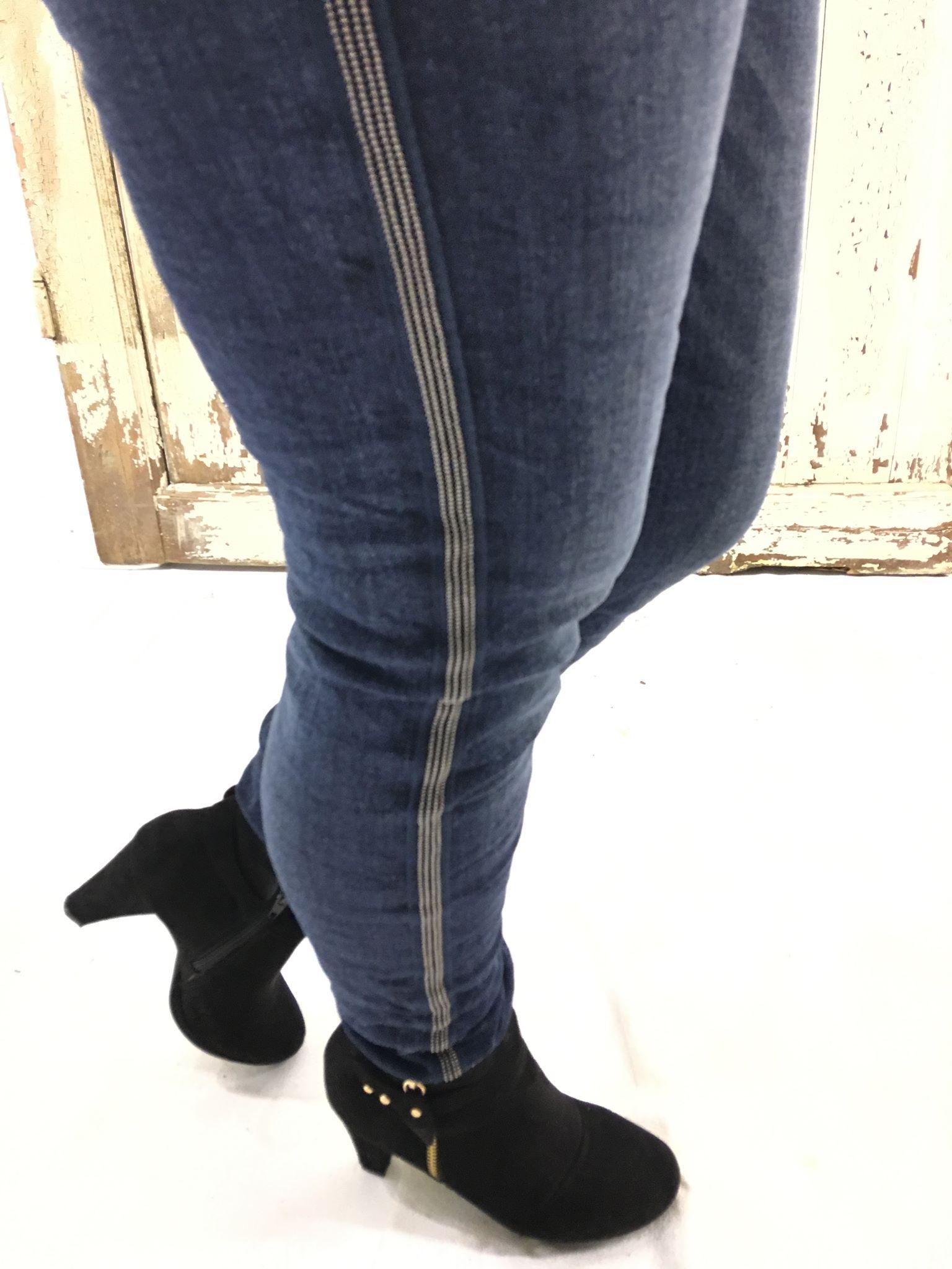 d16c3ac2 Piro jeans med sølvstripe i sidene. Piro nettbutikk med gratis frakt