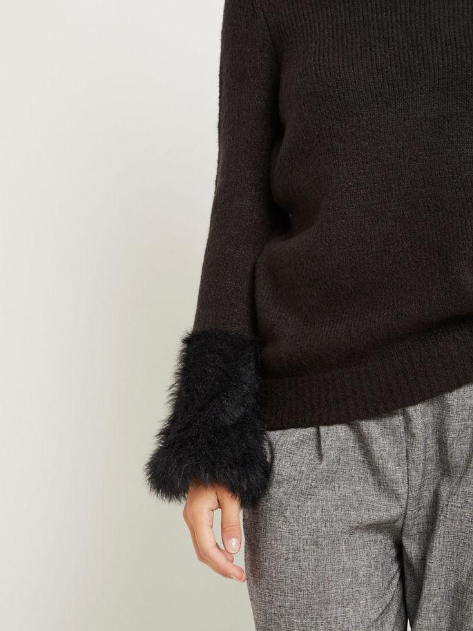 genser med åpen armer