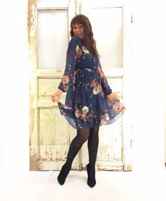 Pepper blå kjole med blomster