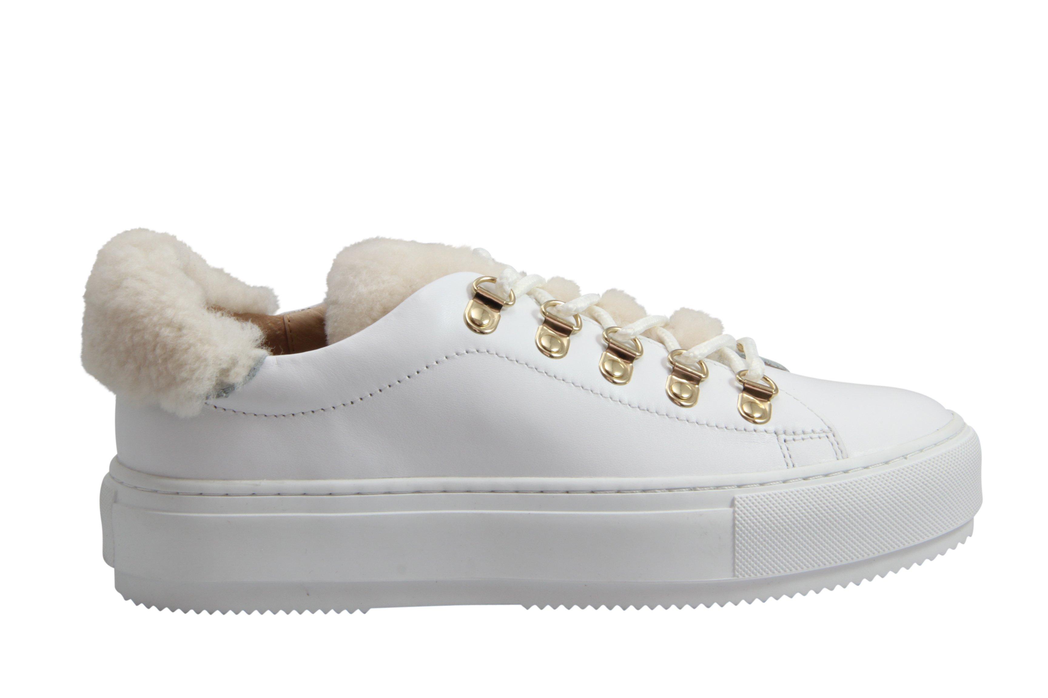 Fia hvit sko med pels