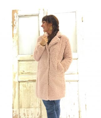rosa jakke i fuskepels