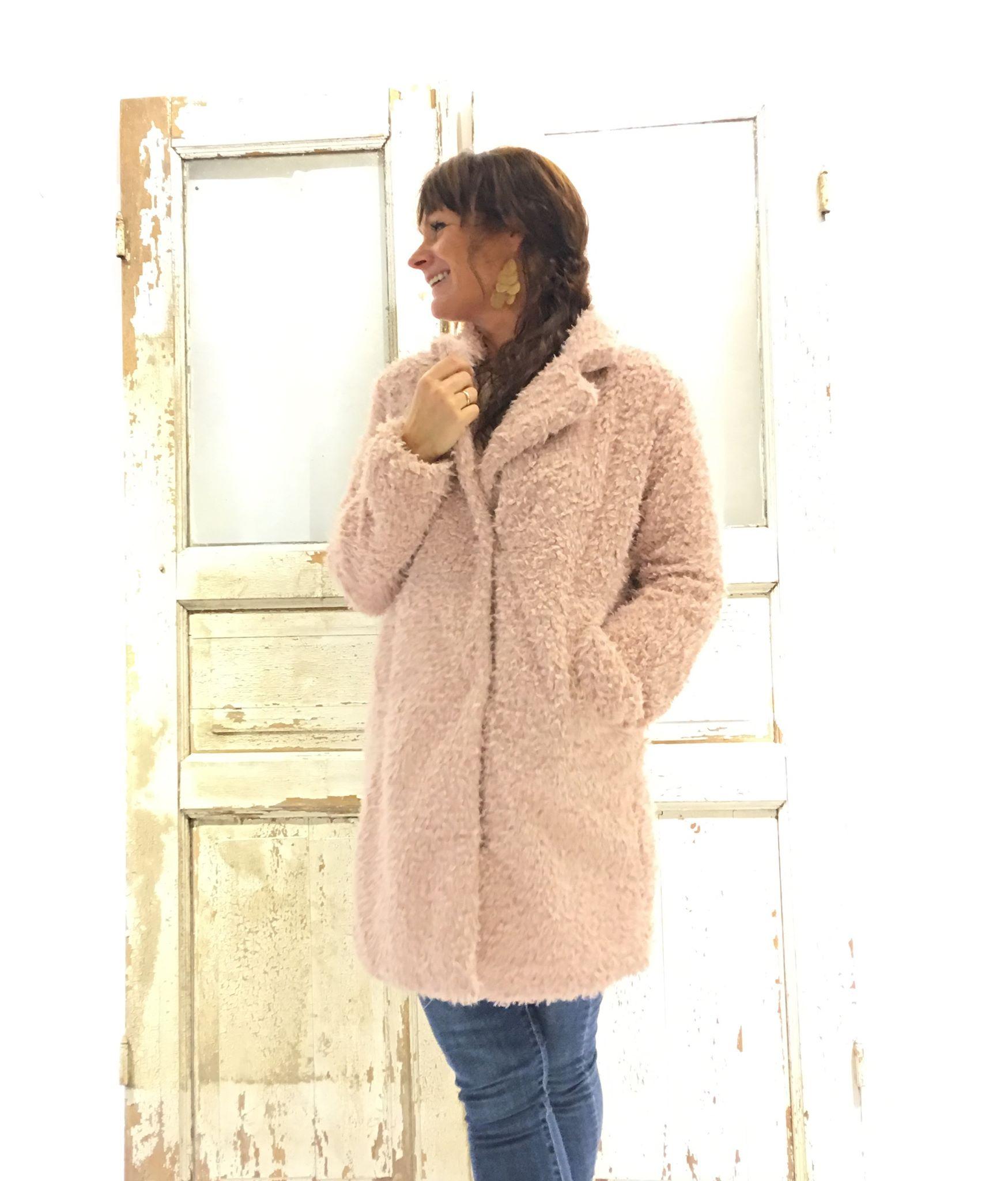 1199868a rosa jakke i fuskepels – Rut & Circle rosa jakke i fuskepels – Mio Trend