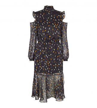Sort kjole med åpne skuldre