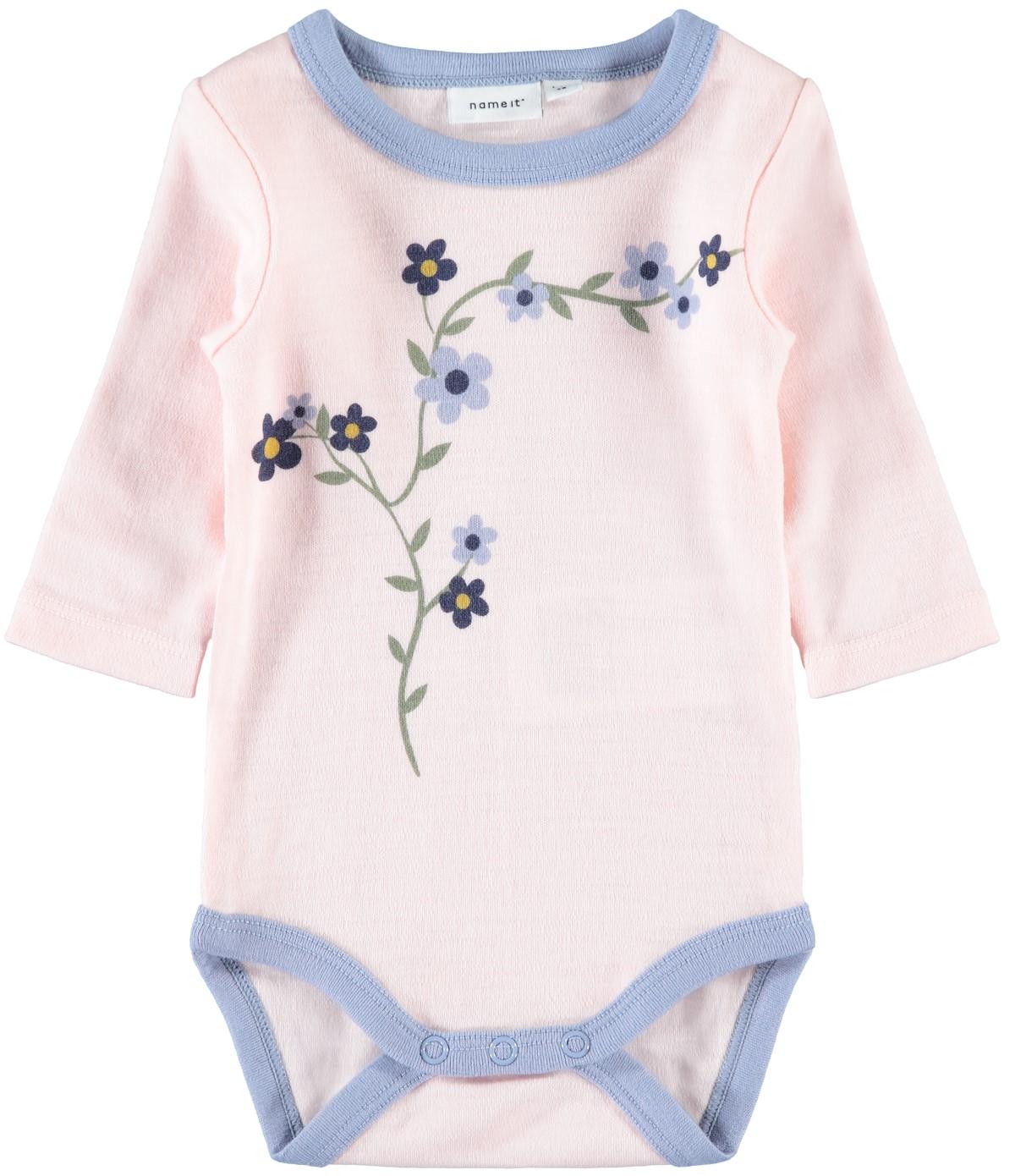 d395fa8d Rosa ullbody til baby – Ull ullbody rosa med blomster til baby – Mio Trend
