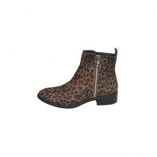 sko i leopardmønster