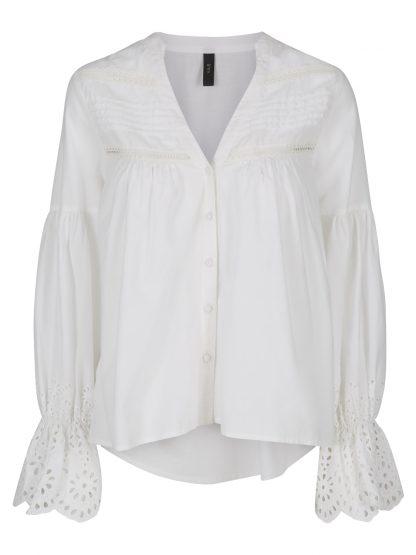 Hvit bluse med blonder – Y.A.S hvit bluse med blonder – Mio Trend