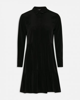 Sisters Point sort kjole