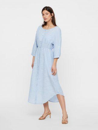 Lyse blå kjole