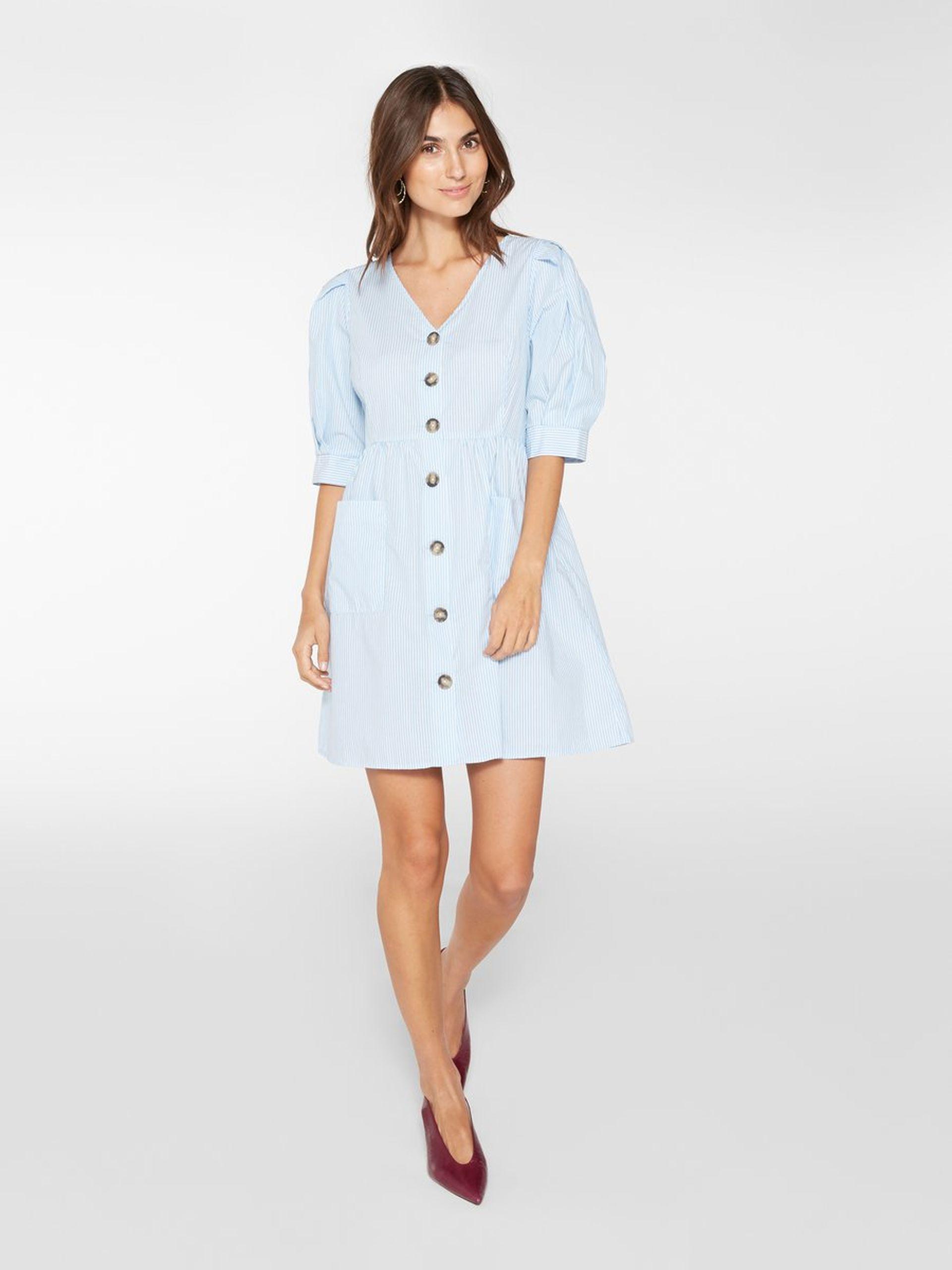 Sisters Point stripete kjole i blått og hvitt. Kort kjole