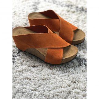 Oransje sandal kilehel