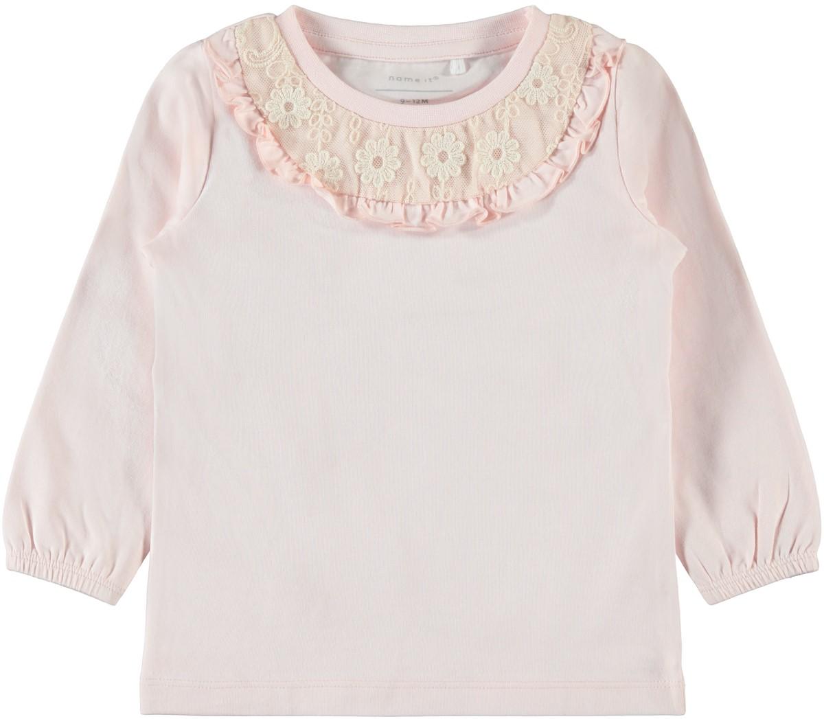 66be1f4a Barnegenser med blonder – Name It rosa genser med blonder – Mio Trend