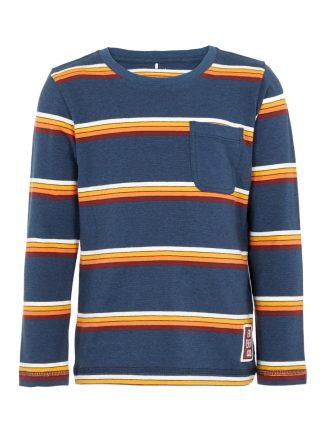 Stripete genser gutt