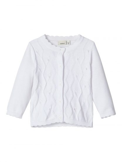 Hvit strikkejakke baby – Name It hvit cardigan Blissa  – Mio Trend