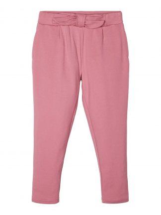 Rosa bukse jente