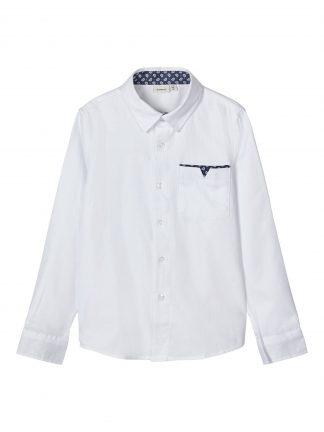 Hvit penskjorte gutt