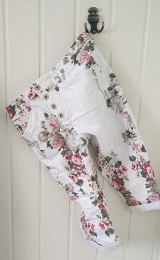 Pepper capri shorts hvit med blomster