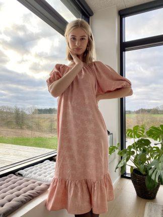 Rosa kjole A-View