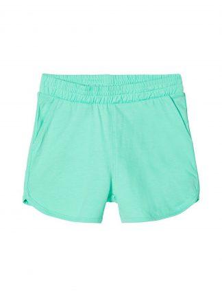 Grønn shorts jente
