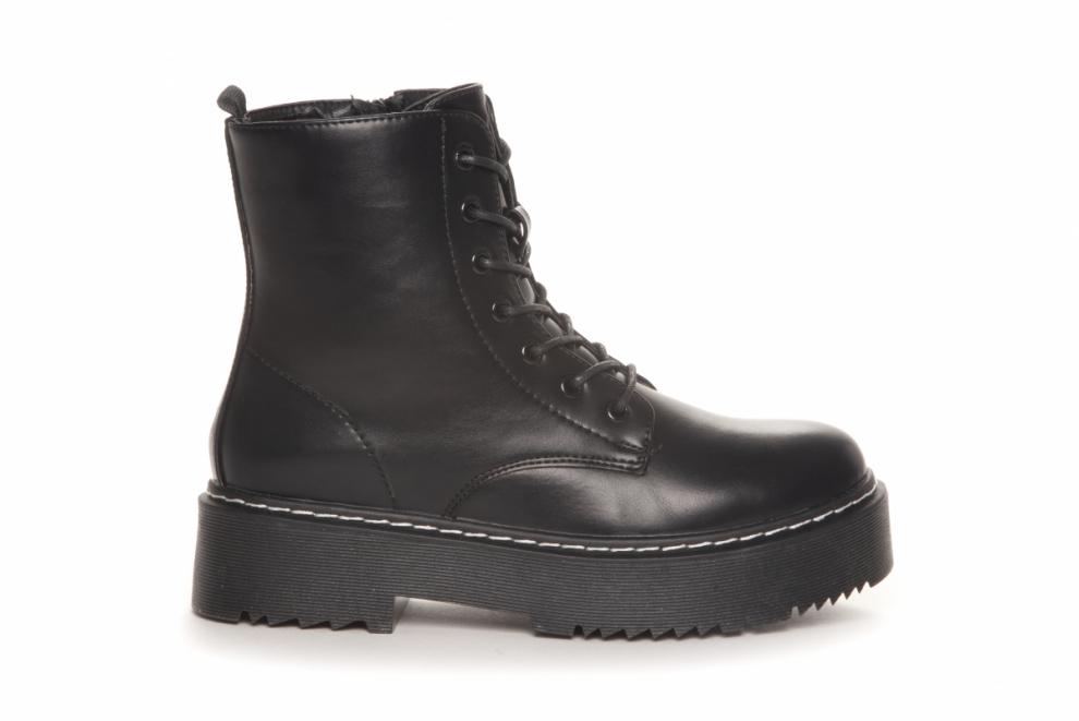 Sort boots Duffy