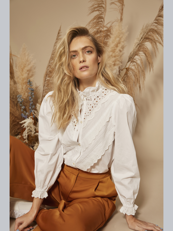Hvit bluse blonder Vila