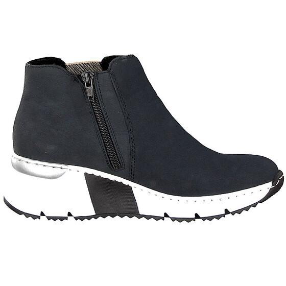 hvit og grå sko med kilehel MioTrend