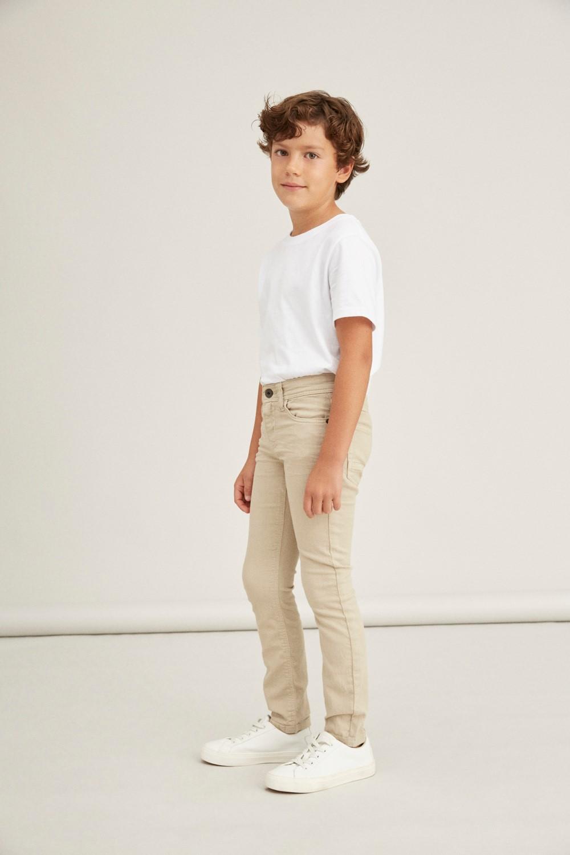 Lys beige bukse gutt
