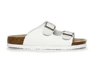 Hvit sandal med spenne