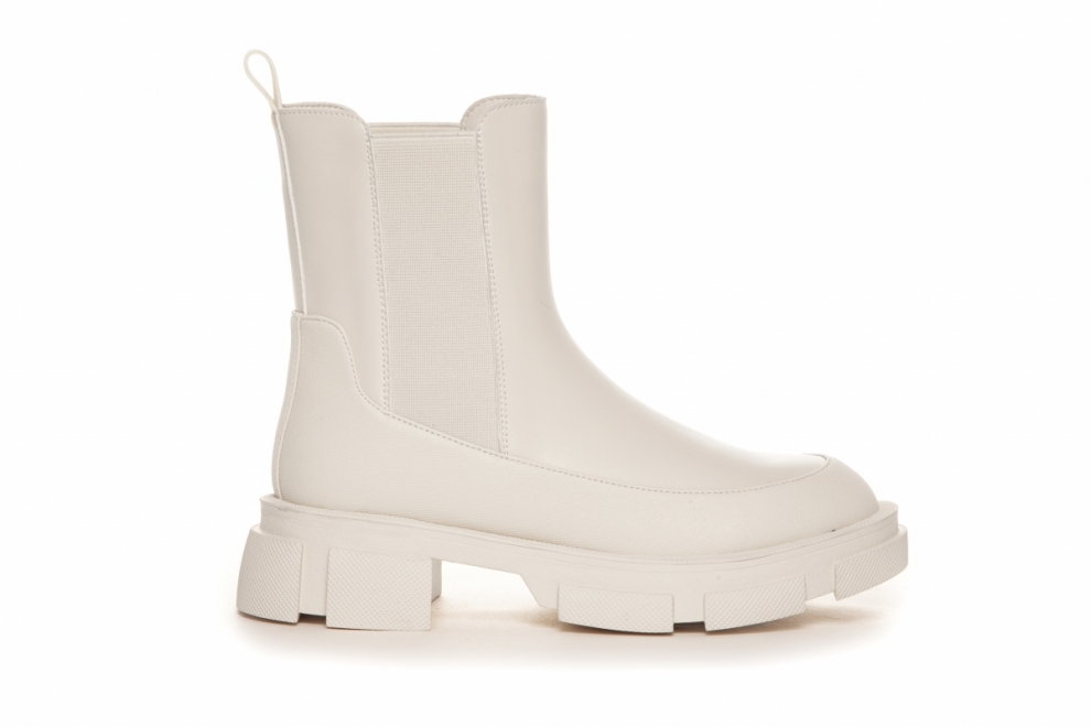 Beige boots Duffy