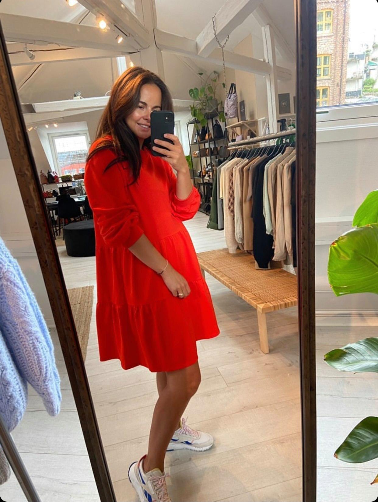 Holly rød kjole Noella